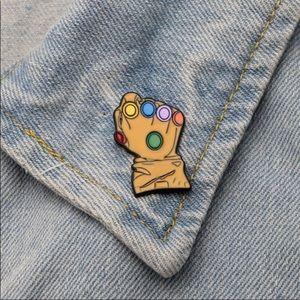 Jewelry - Infinity Gauntlet pin